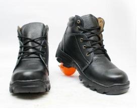 sepatu-safety-boots-bahan-kulit-sapi-asli-hitam